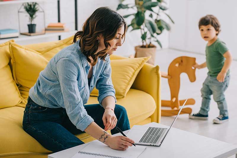 Occupazione donne, smart working e ruoli